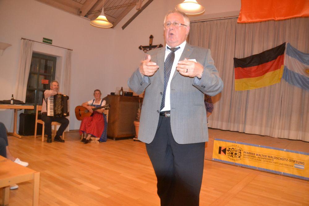 Stiftungsvorsitzender-Msgr.-Waldschütz